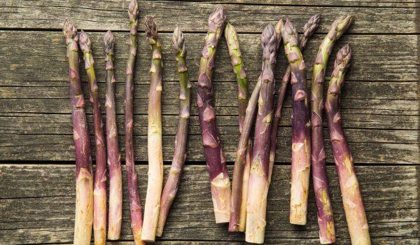 fresh-purple-asparagus-PA9ZNZ7