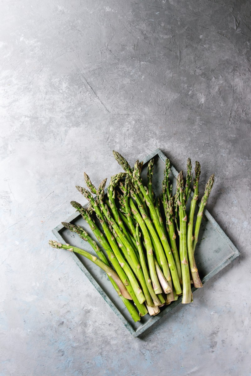 young-green-asparagus-PL4MTHF
